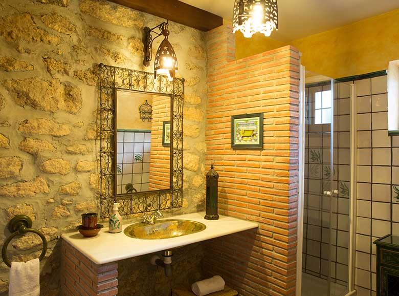 baño de piedra - Casa rural El Canjilón - Montefrio